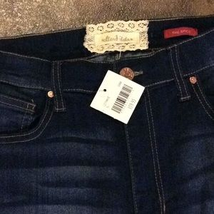 Women's altarard state jeans